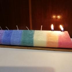 Energetická Čakrová sviečka ležatá